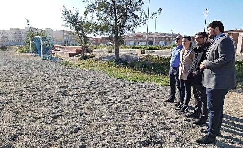 Roquetas de Mar prevé la remodelación de las pistas deportivas de las 200 Viviendas