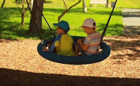Salamanca incrementa las zonas infantiles de parques y plazas con juegos adaptados y accesibles
