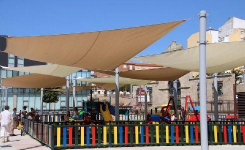 Salamanca renueva la zona de juegos infantiles de la Plaza de la Concordia con una estructura para dotarla de sombra