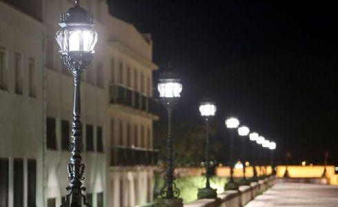 Sale a licitación el servicio de mantenimiento del alumbrado público de Cádiz