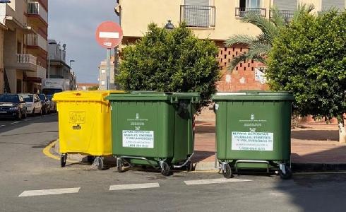 San Pedro del Pinatar renueva contenedores del centro urbano y otras zonas del municipio