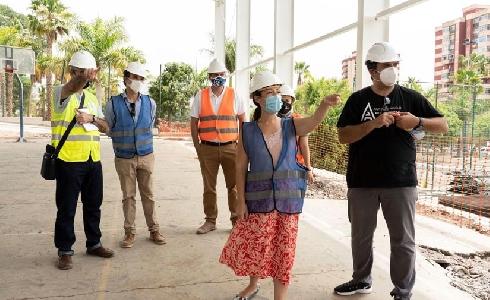 Santa Cruz de Tenerife invierte medio millón de euros para devolver al público el polideportivo de Las Delicias