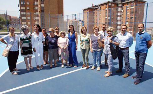 Santander abre la pista polideportiva de San Valentín tras su remodelación