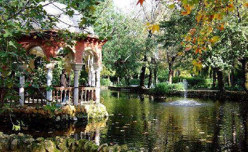 Sevilla refuerza el suministro de materiales y herramientas para los parques y jardines de la ciudad
