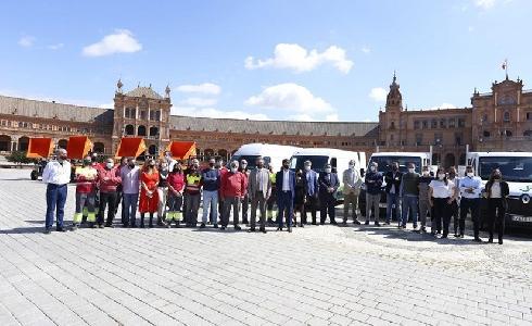 Sevilla renueva la flota de vehículos para mejorar la conservación de jardines históricos