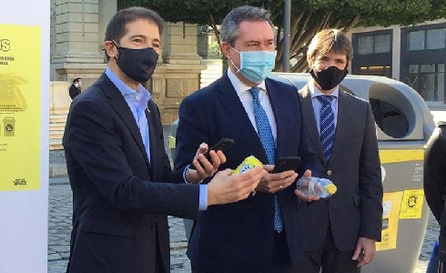 Sevilla y Ecoembes ponen en marcha un programa de incentivos para quienes reciclen envases