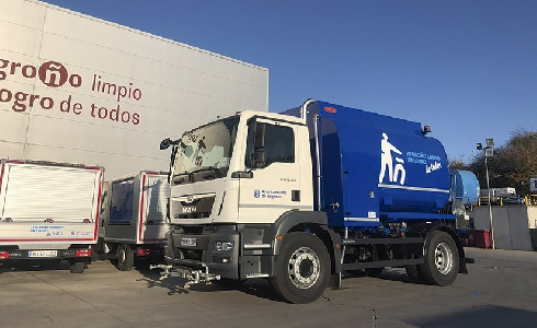 Un baldeo eficiente para las calles de Logroño