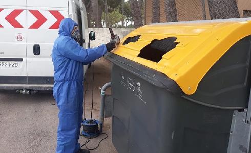 València amplía las bocas de los contenedores amarillos como medida de seguridad