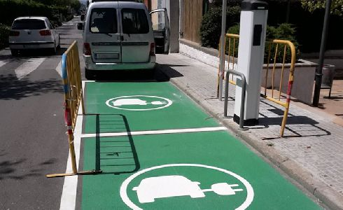 Viladecavalls estrena su segundo punto de recarga de vehículos eléctricos