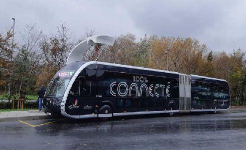 Visita institucional a Irizar e-mobility con motivo de la implantación del Bus Eléctrico Inteligente en Vitoria-Gasteiz