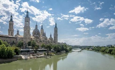Zaragoza incrementó en 2019 la recogida selectiva y multiplicó la ropa usada recuperada