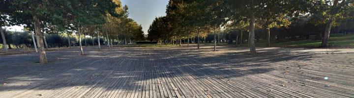 Nuevo pavimento de madera para el paseo de los Sentidos en el Parque Lineal del Manzanares