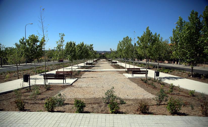 Toledo adecenta un nuevo espacio ajardinado para el uso y disfrute de los vecinos de Valparaíso