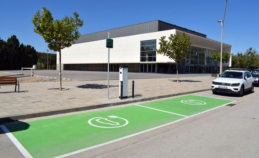 Torroella de Montgrí instala paneles fotovoltaicos para autoconsumo del Espacio Ter y un punto de recarga de vehículos eléctricos