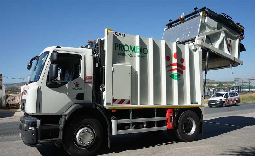 Tres nuevos camiones de recogida de residuos urbanos para Badajoz
