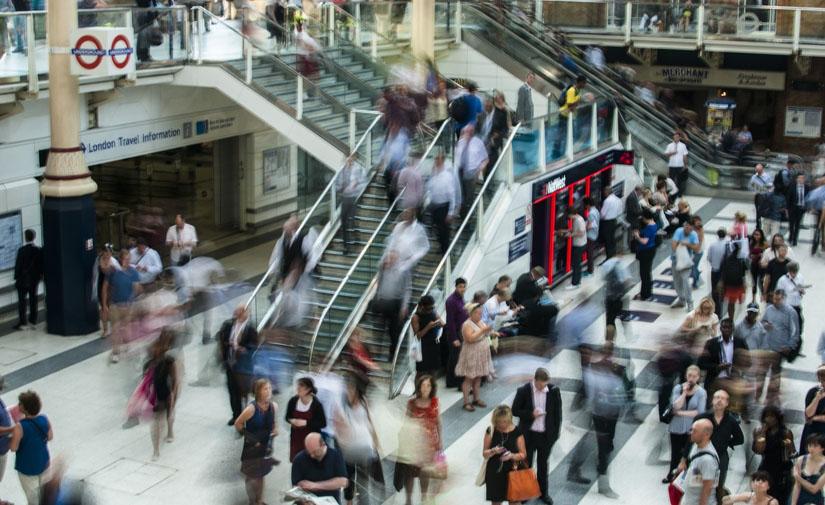 Un estudio analiza la movilidad en las ciudades como si fueran un campo gravitatorio