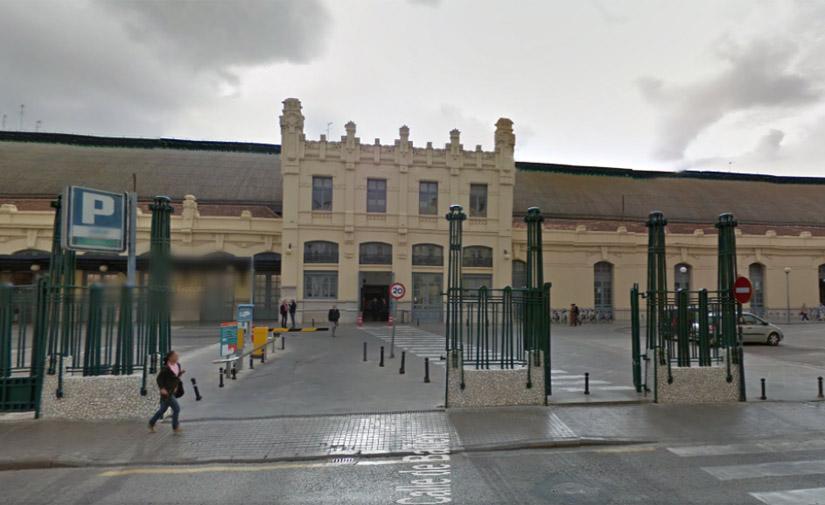 Una marquesina-refugio de Martín Mena para el cajero del parking de la Estación Tren Valencia Nord