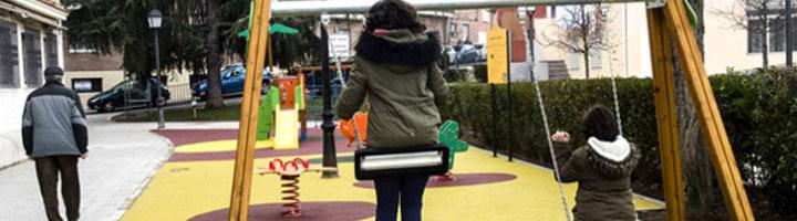 Los vecinos de Pozuelo de Alarcon estrenan un nuevo parque infantil