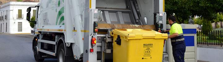 Promedio comienza a gestionar la recogida de residuos de Calamonte con camión y contenedores nuevos