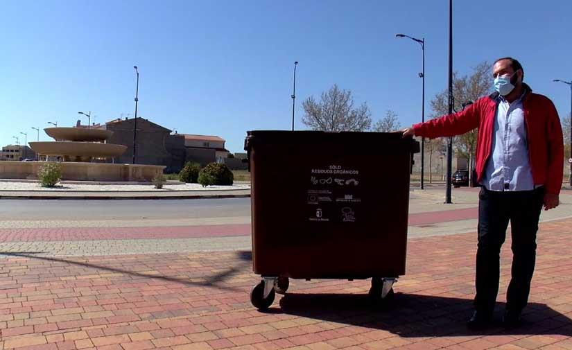 Villarrobledo instala nuevos contenedores marrones para la selección y reciclaje de residuos orgánicos
