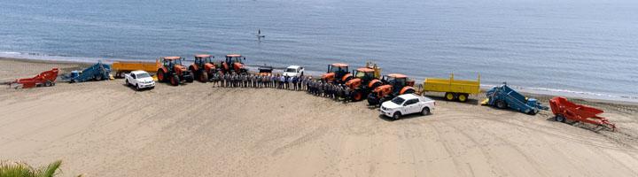 Estepona renueva por completo la flota de máquinas para mantenimiento y conservación de las playas
