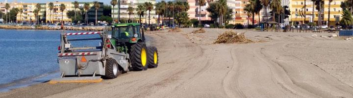 La Linea saca a licitación el servicio de mantenimiento y limpieza mecanizada de playas para la temporada de este año