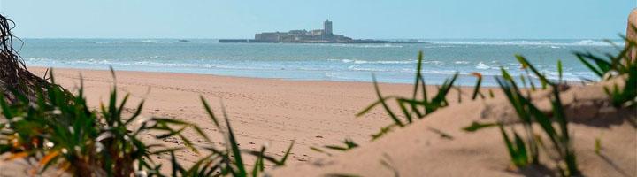 La playa de San Fernando es el destino favorito por los gaditanos para respirar aire puro