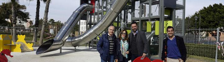 Málaga invierte 158.000 euros en una nueva zona de juegos infantiles en el Parque Litoral