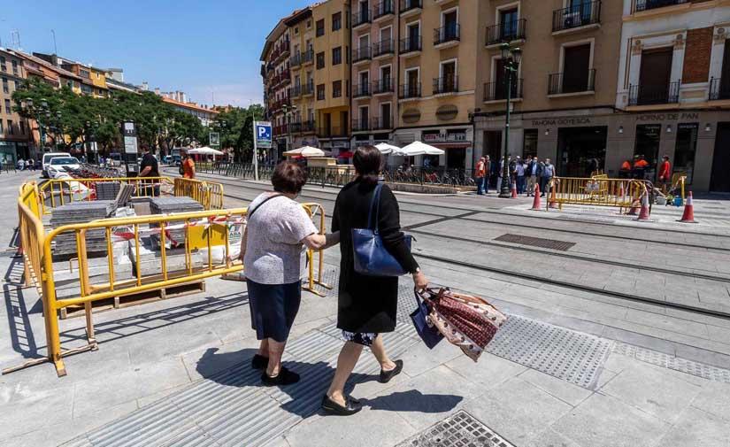 Zaragoza adapta más de 325 pasos de peatones en lo que va de año para garantizar la accesibilidad