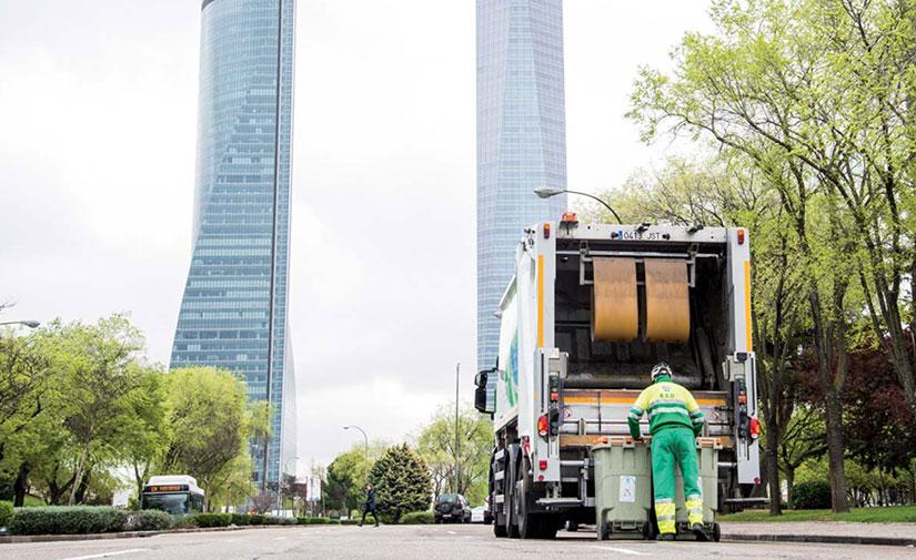 La recogida de residuos en la zona oeste de la ciudad de Madrid