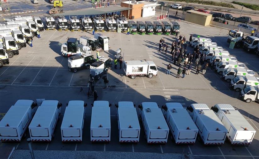 Málaga pone en servicio su nueva flota de vehículos de limpieza viaria y recogida de residuos